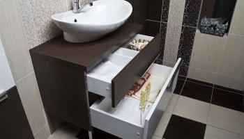 Тумба с умывальником для ванной – подвесная или напольная?