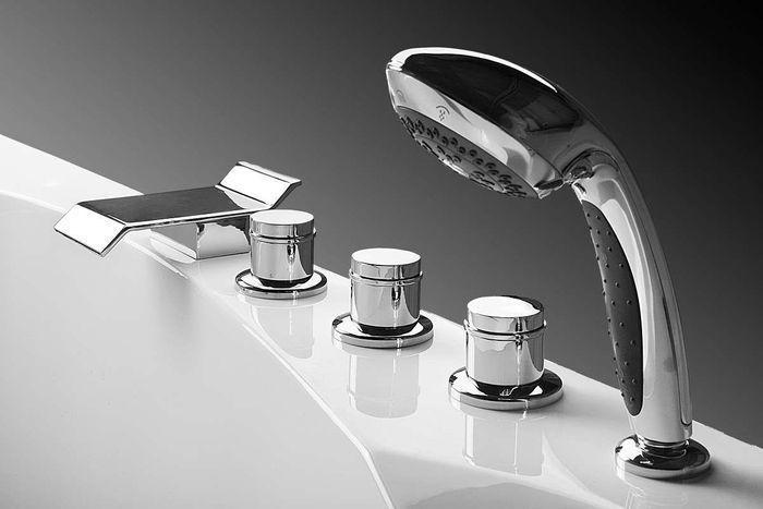 врезные смесители на борт ванной